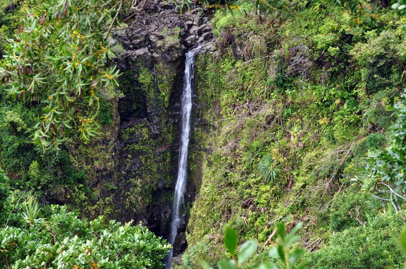 maui_waterfall_1